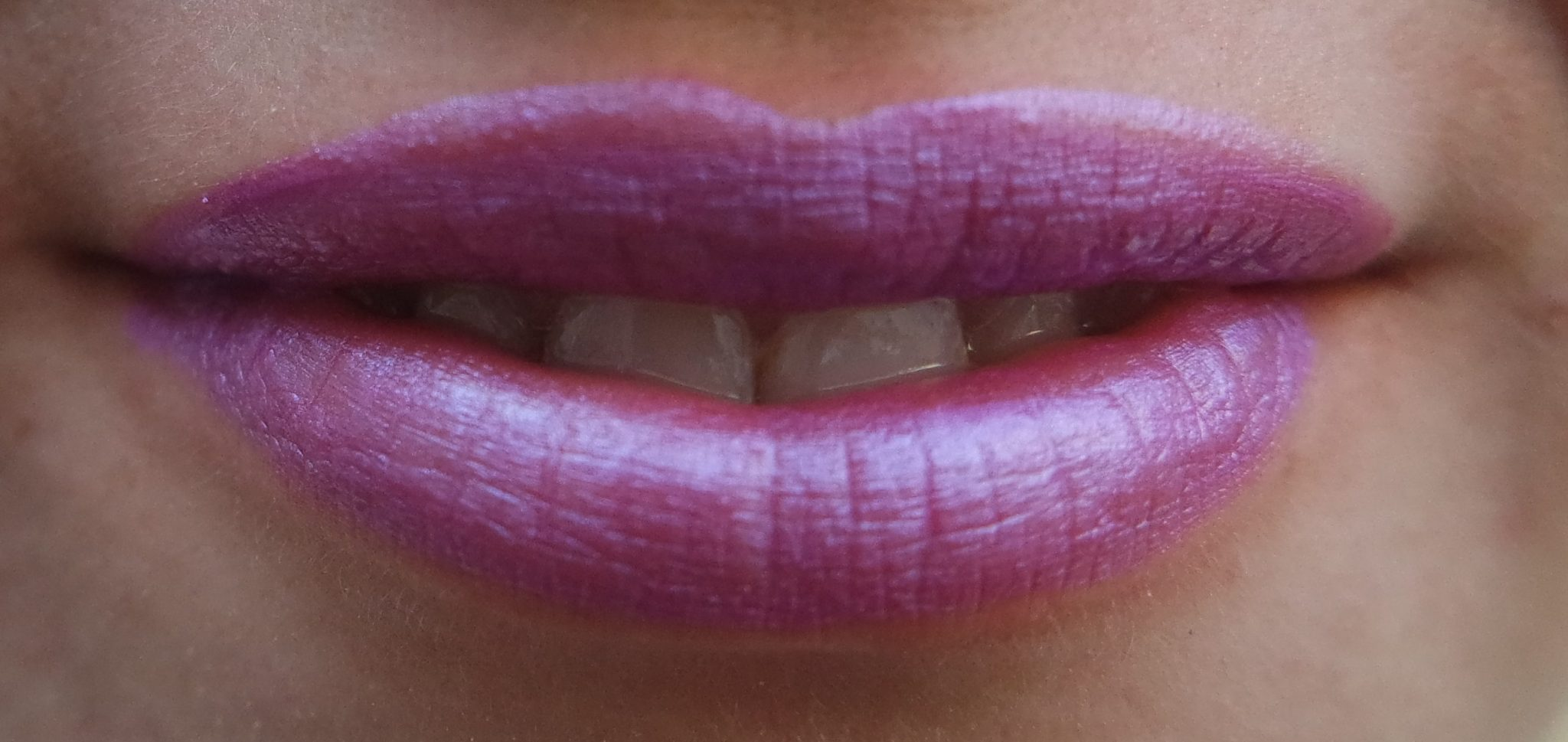 ofra liquid lipstick wonderland swatch