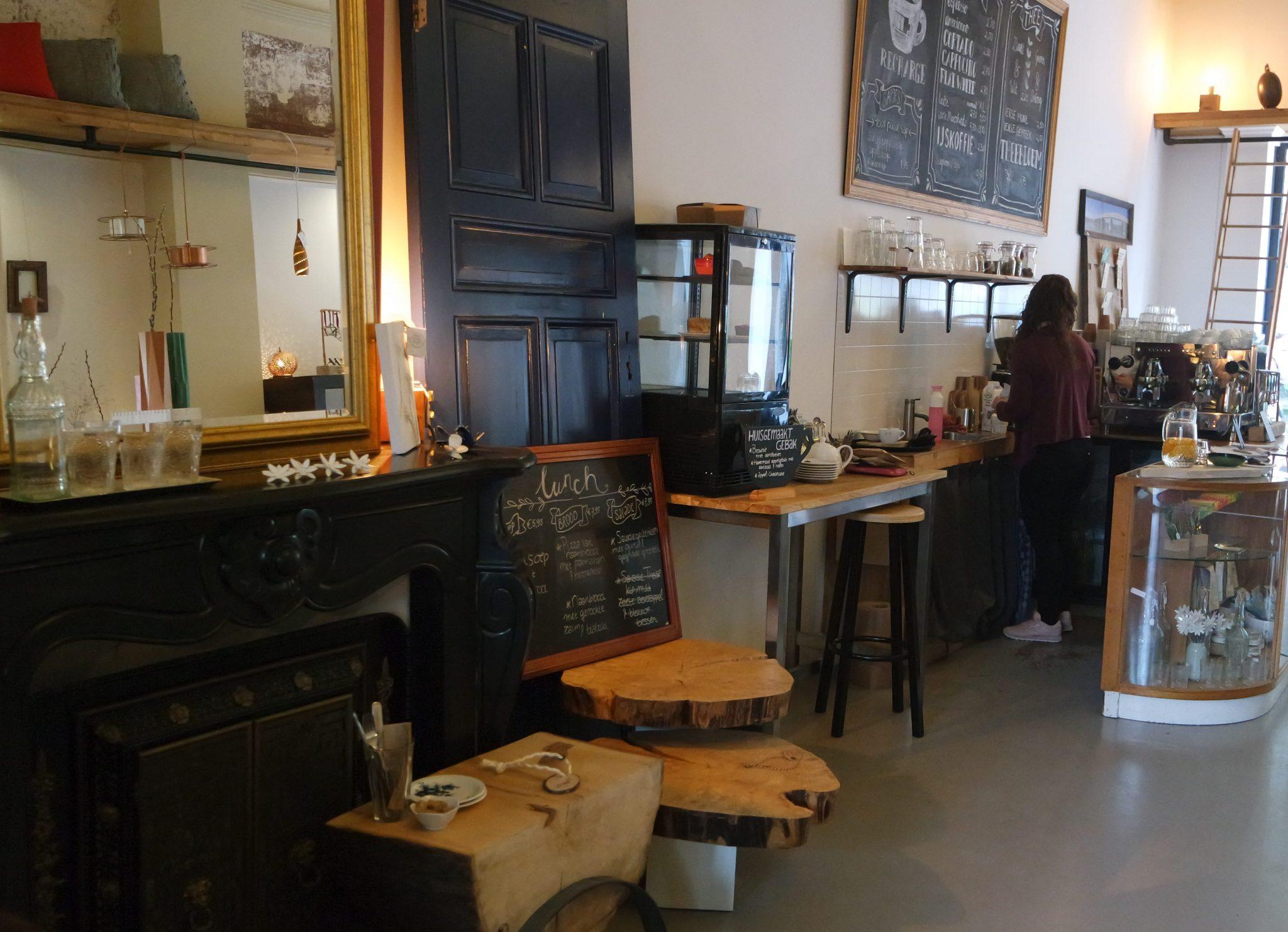monqui den bosch koffiebar