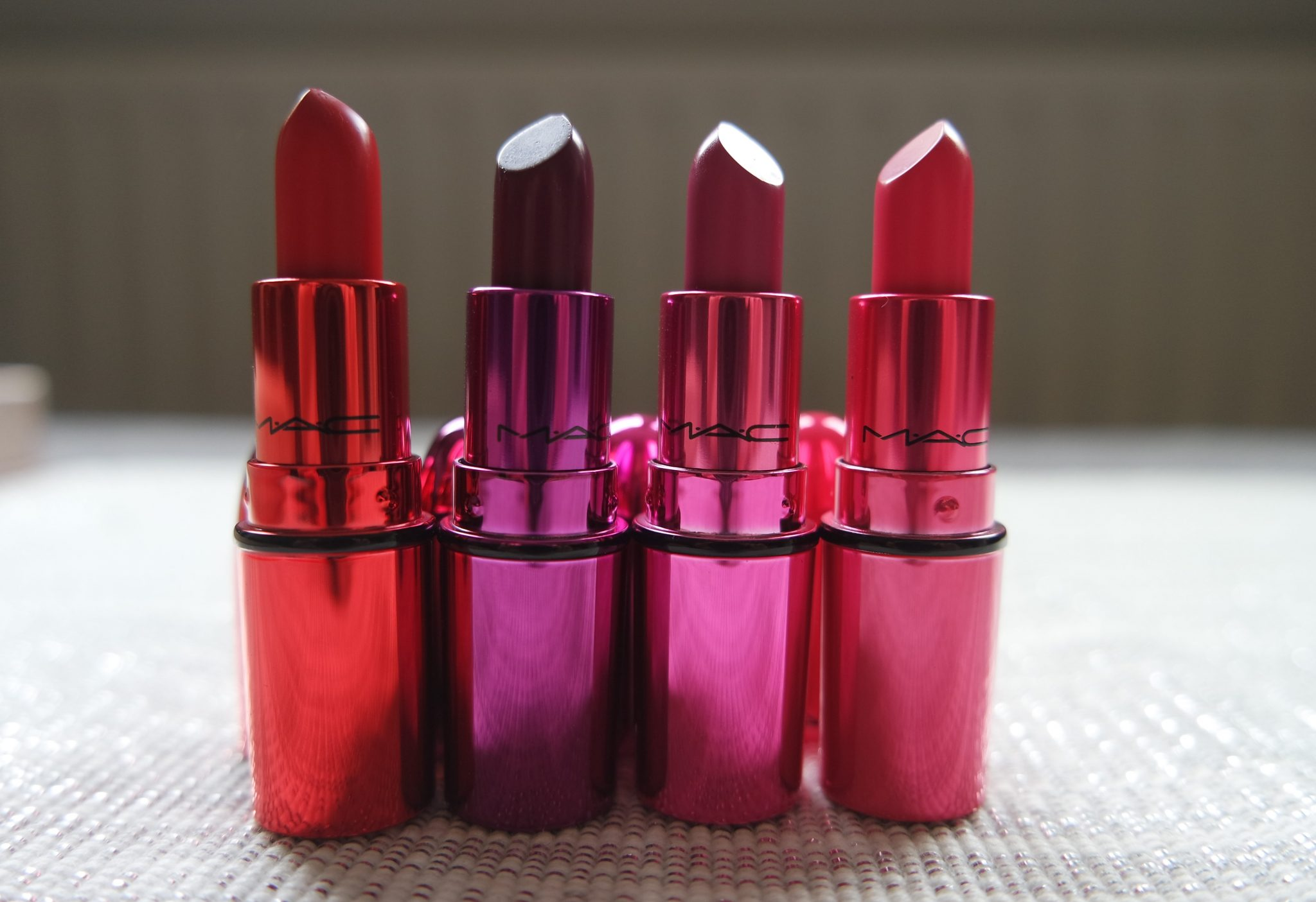 mac lipstick snowball kit swatches review