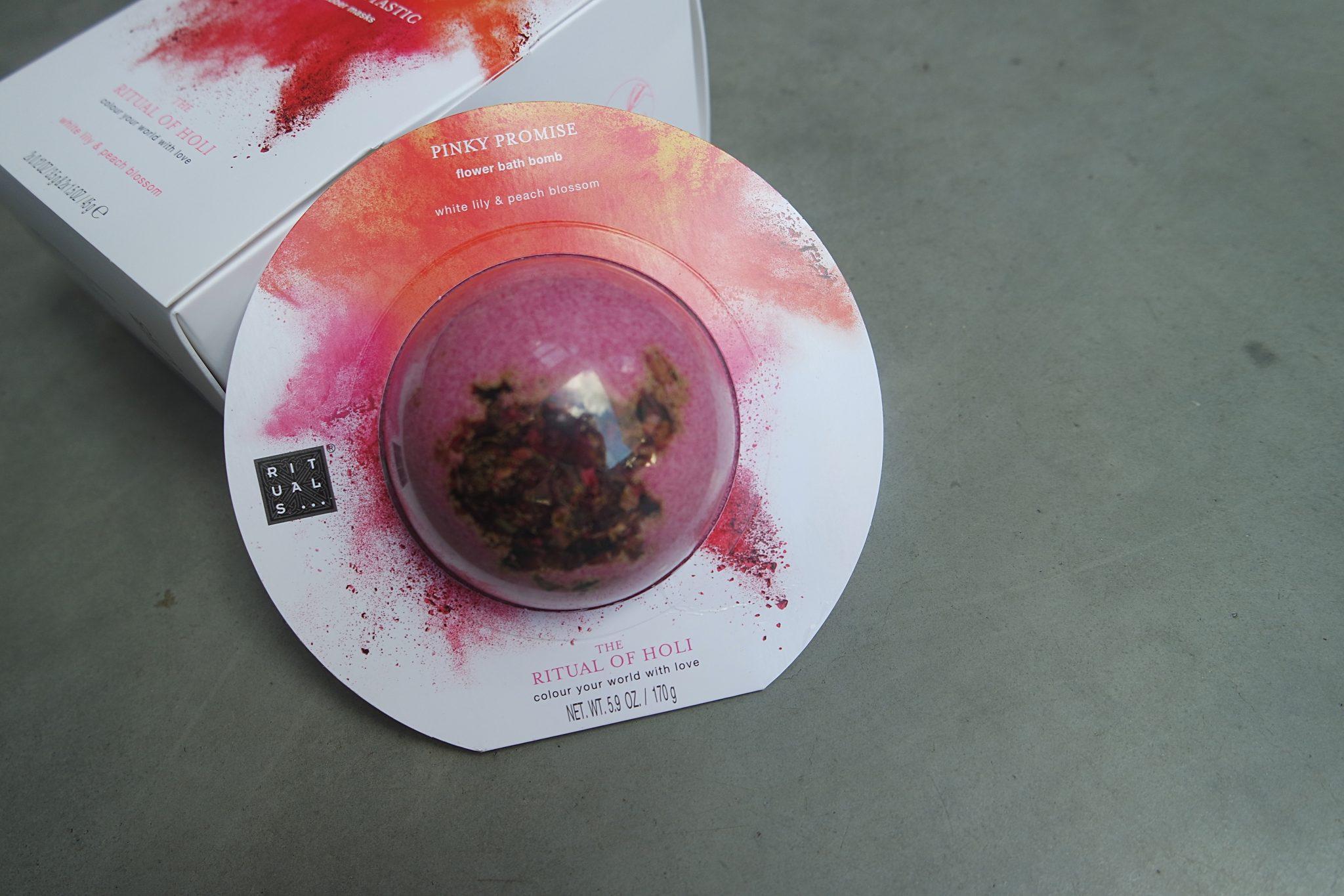 rituals bruisbal flower bath bomb pinky promise